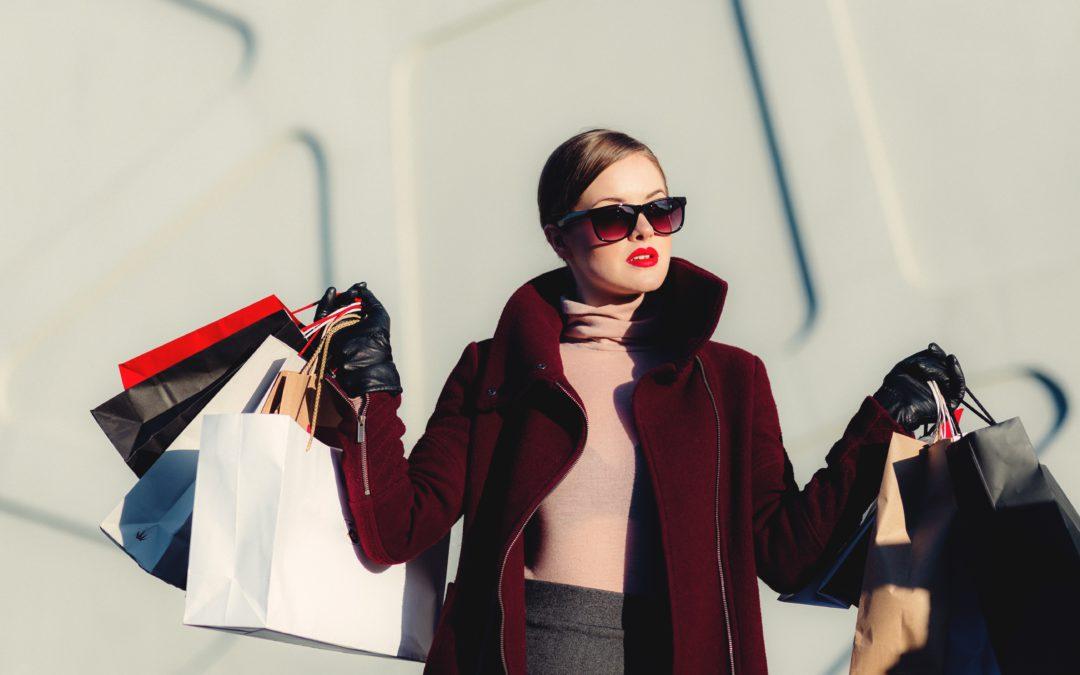 ¿Te esclaviza el consumismo? Comprar para huír